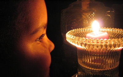 child-with-candle1